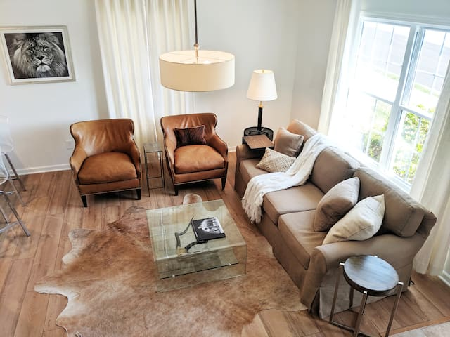 Luxury Meets Comfort at Newly Renovated Condo