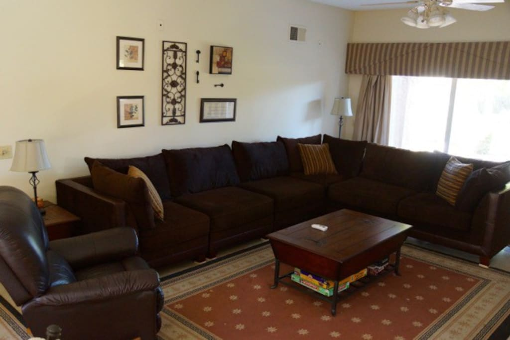 Spacious living room & large sectional