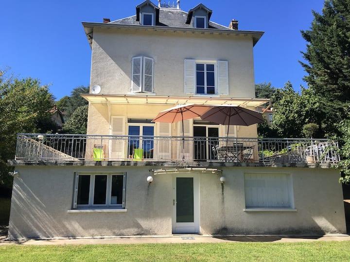 Studio Ecully - LYON dans maison (CONF)