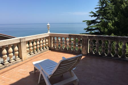 Apartment sea view in nineteenth century villa - Silvi