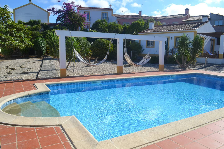 Pool - adega top left