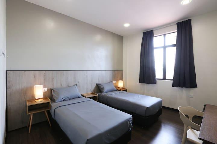 Twin Room (2 Single Beds) @ Kampung Cina Hotel