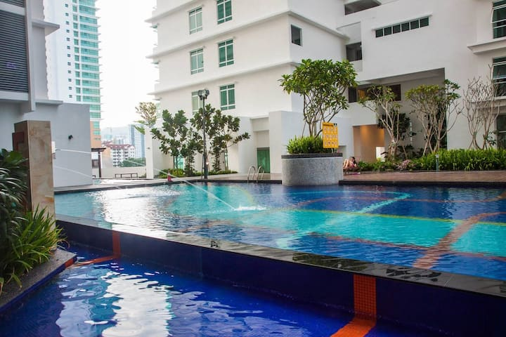 NEWLY RENOVATED HOME SUITE BY PISA SPICE ARENA - Bayan Lepas - Apto. en complejo residencial