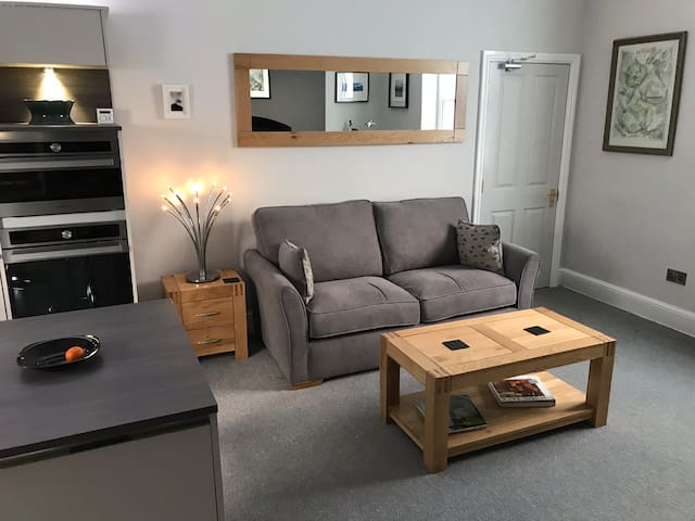 LUXURY STUDIO APARTMENT IN CENTRAL BUXTON