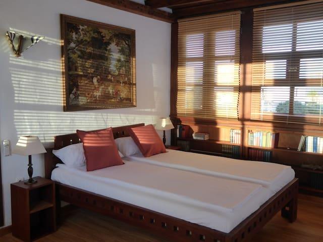 Schlafzimmer mit Rundumblick