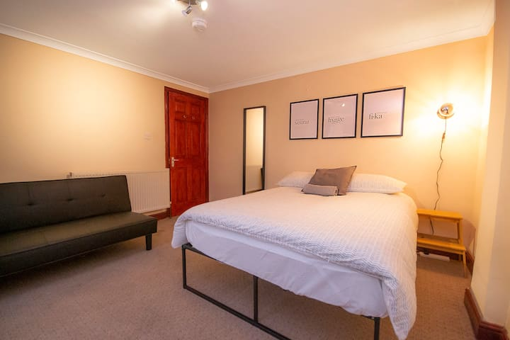 HC4 Private Room in the Heart of Hackney ♥
