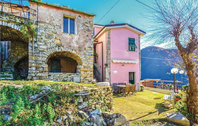 Semi-Detached with 1 bedroom on 45 m² in Lavagna  (GE)