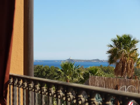"""Studio Flat """"Conservatory"""" Sea View 1C - 2 guests"""