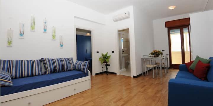 Casa Azzurra con Aria Condizionata, WI-FI e Riscaldamento nel Centro Città
