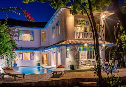 Luxurious 4 bdrm villa by the beach in Diani Beach