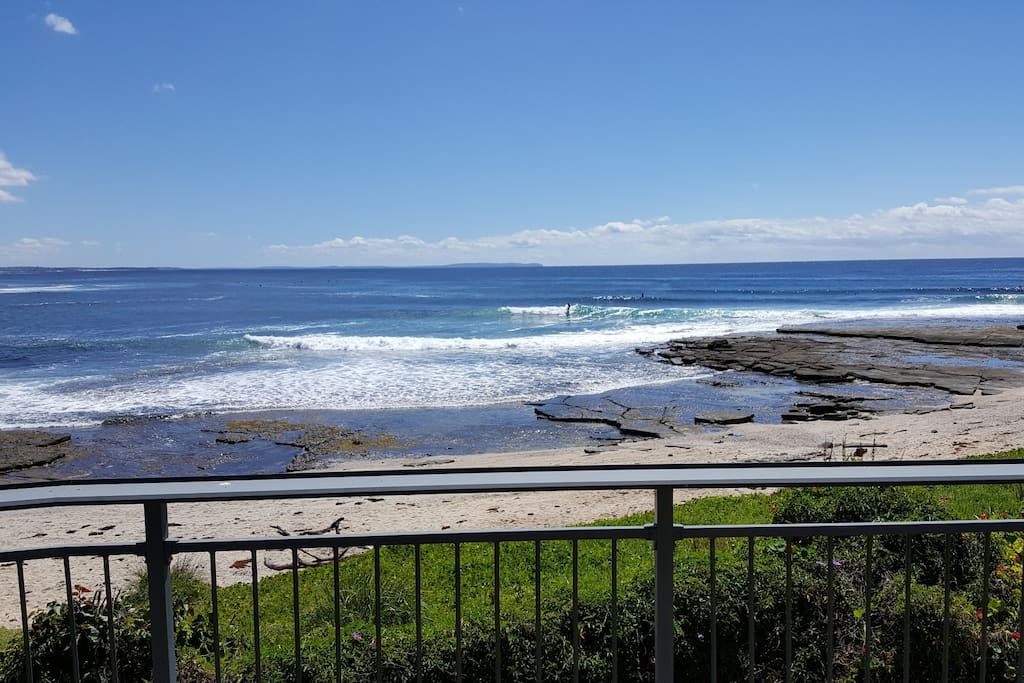 Holiday Nirvana ....The ultimate beachfront...Mollymook
