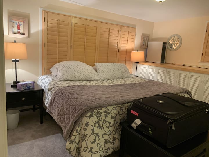 Private Wayland 1000 sq/ft suite