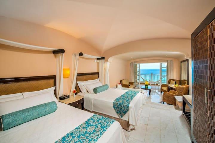 Outstanding Suite Ocean Front At Cozumel