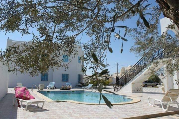 appartement n°4 dans rèsidence avec piscine Djerba