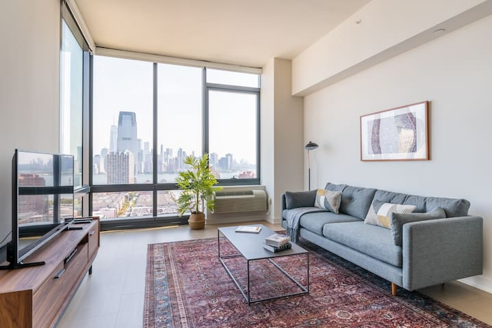 Stunning 1BR in Jersey City, Gym + Pool