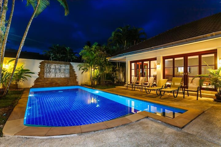Balinese style 3 bedroom private pool villa in Kathu golf - Kathu - Villa