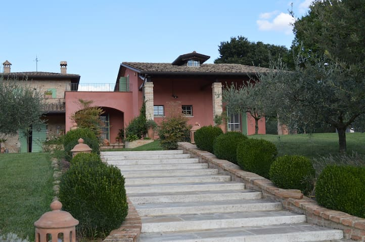 Luxurious & Charming Villa with Private Pool - Perugia - Villa