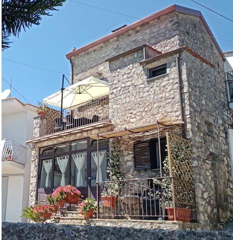Casa Giordana e Paolo, typical house