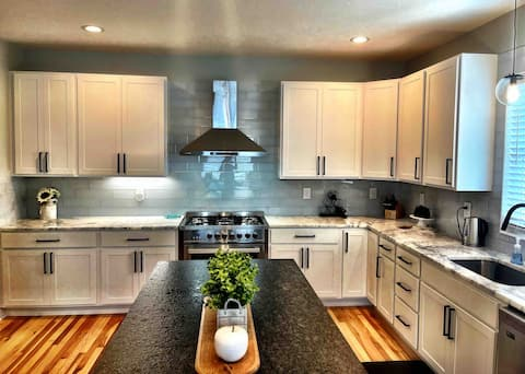 Huge New Home w/Full Bsmnt+Private Patio & Garage!