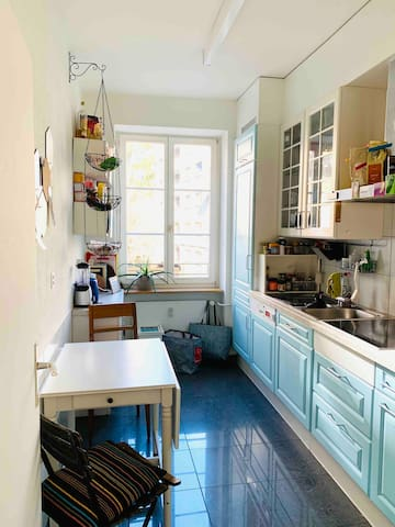 Shared Kitchen - has all the essentials and a dish washer, thanks god :-)