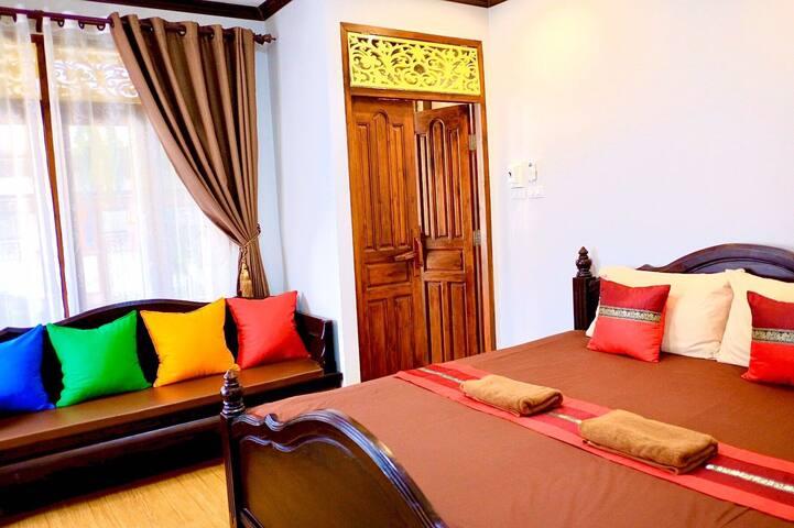 Traditional Thai Home Private Room - near landmark