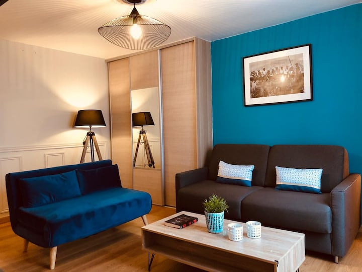 9th - Sunny, modern apartment in South Pigalle