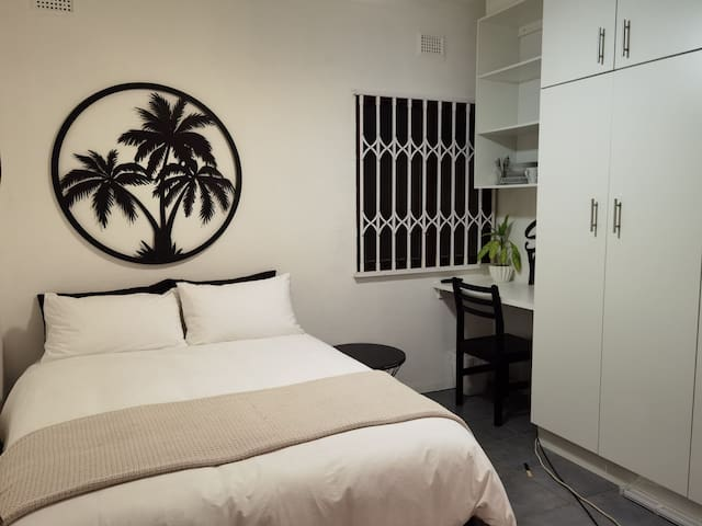 Cozy and clean double bed & bathroom