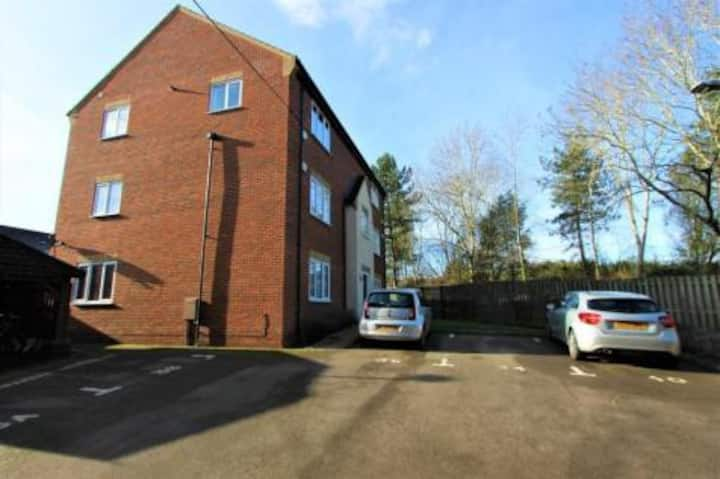 Quiet Medbourne home With Greenery Scenery