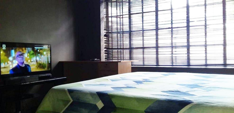 Beautiful Hatfield Room | DSTV in Room | WIFI
