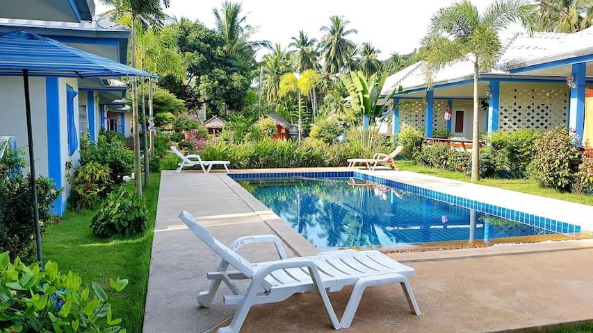 3/ 5 min from the beach: covered terrace+pool+wifi