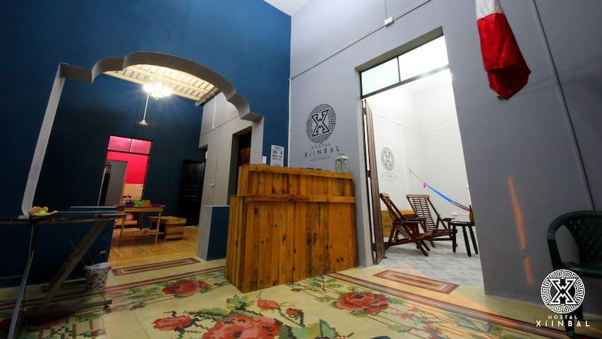 Hostal Xíinbal (Cama #02 en Dormitorio Mixto)