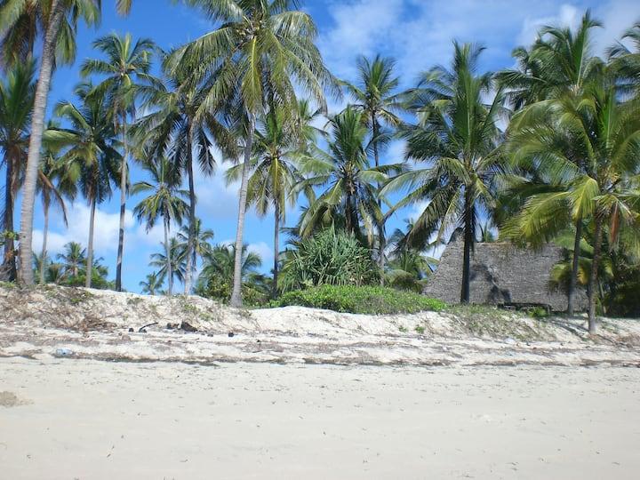 Ushongo Beach Bandas