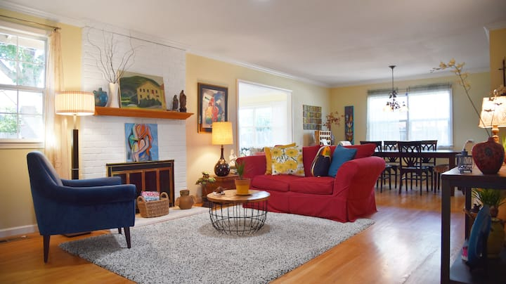 Colorful, Family + Business Friendly Home Concord!