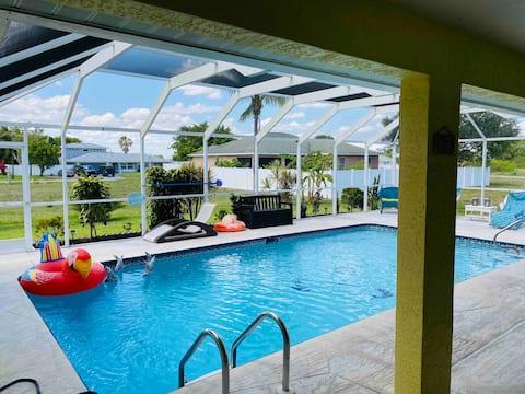 """The 5 O' Clock"" Cape Coral Heated Pool Home"