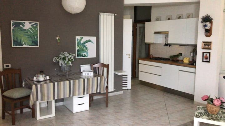 CENTRAL - PRIVATE apartment with 24/7 SECURITY