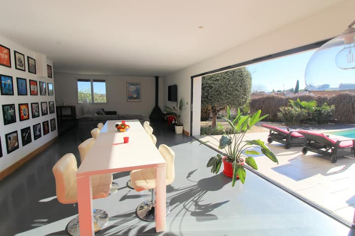 Modern 4 bed Villa with Pool, close to Pezenas