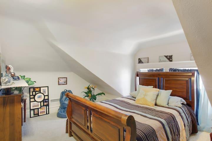 3rd Floor 5th Bedroom