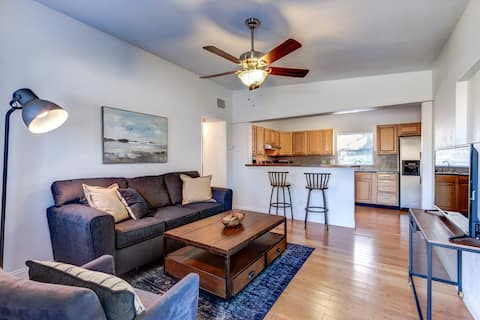 Comfortable, Relaxing 3/1 and Minutes from Airport