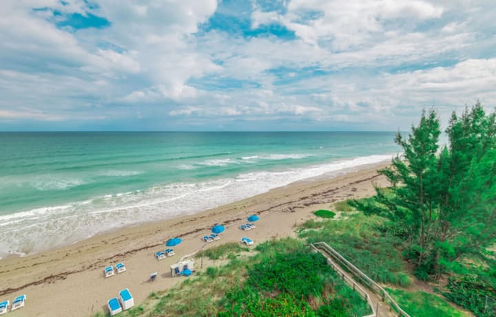 Two Bedroom Ocean Front, Jensen Beach, FL (A896)