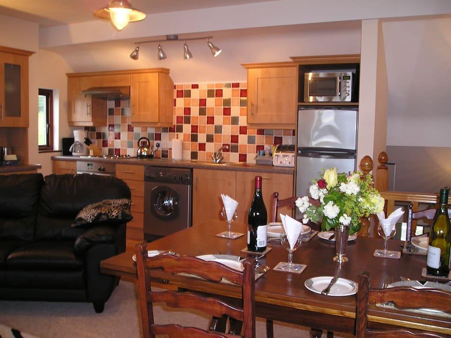 Lemnalary Apartment Kitchen/Dining area