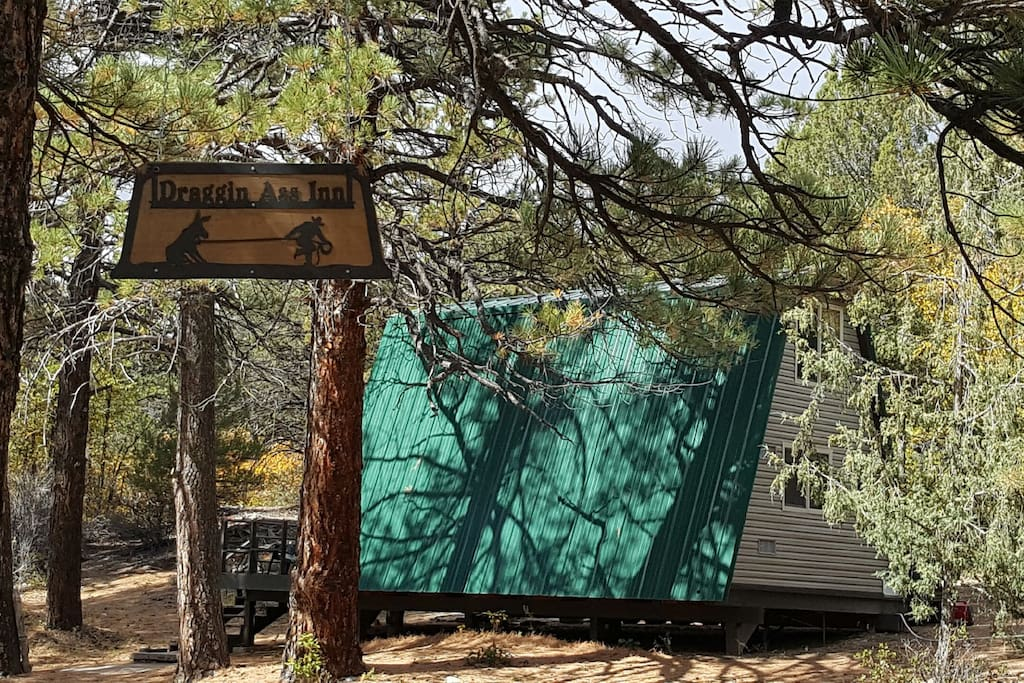 Off Grid CABIN Steps From Zion National Park