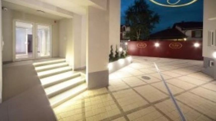 Very Central**** Rentals Apartments JagodinaSerbia