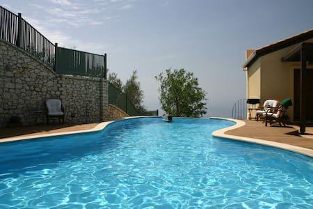 Amazing Villa Sophia, close to heavenly beaches - レフカダ - 別荘