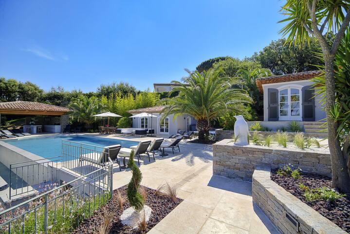 12 Quests Villa In Saint-Tropez