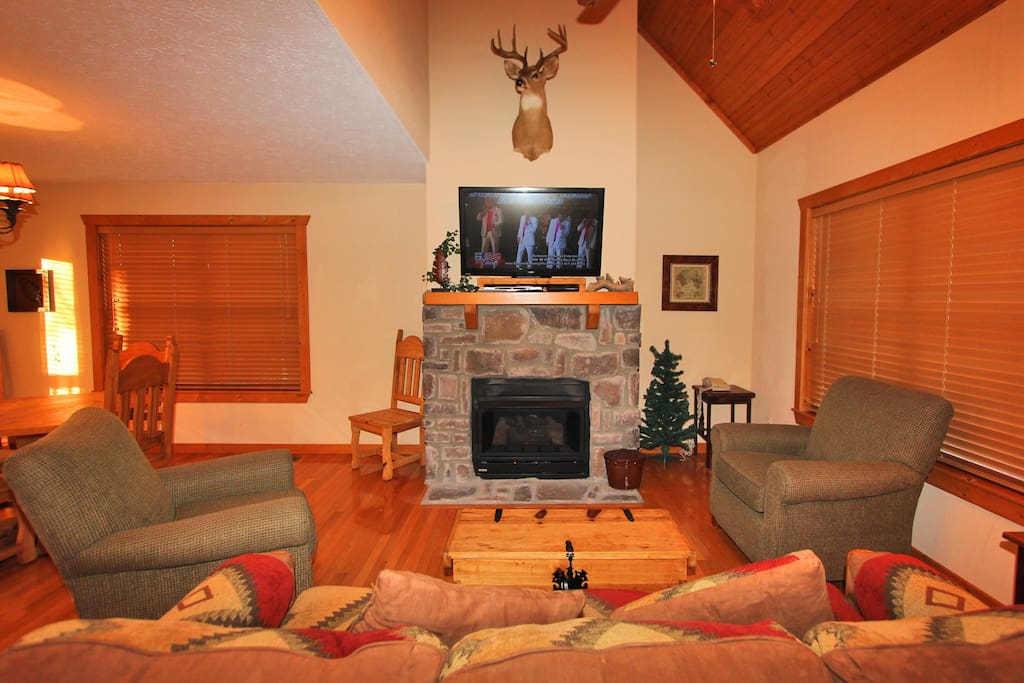 Sleepy hollow cabin cabins for rent in branson west for 7 bedroom cabins in branson mo