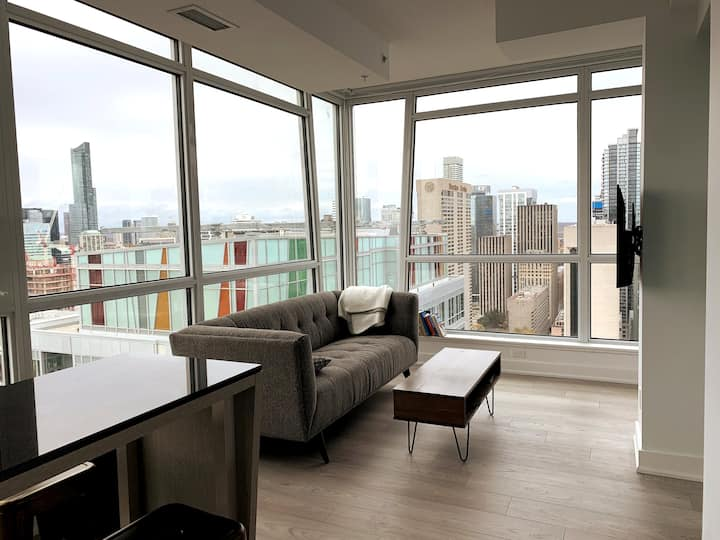 Spacious Condo with a Stunning City View