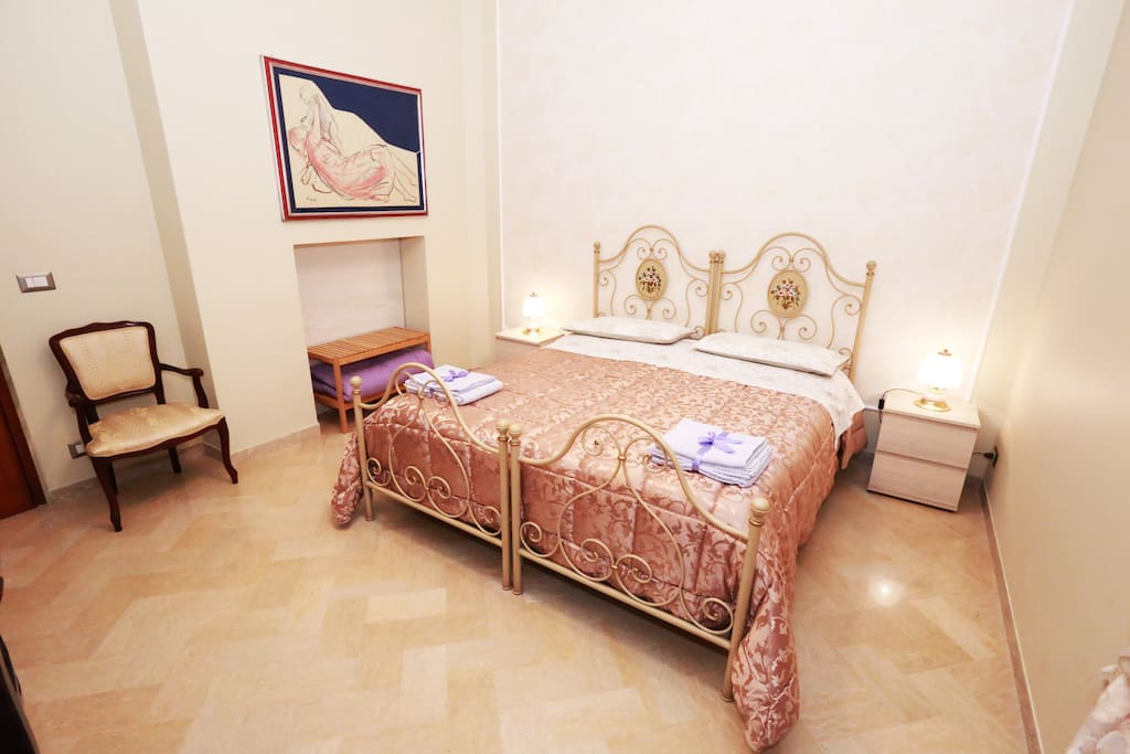 apulia 70 superior zimmer wifi k che klima bed breakfasts zur miete in polignano a. Black Bedroom Furniture Sets. Home Design Ideas
