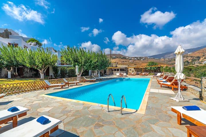 Villa Sofia Maisonette with shared pool