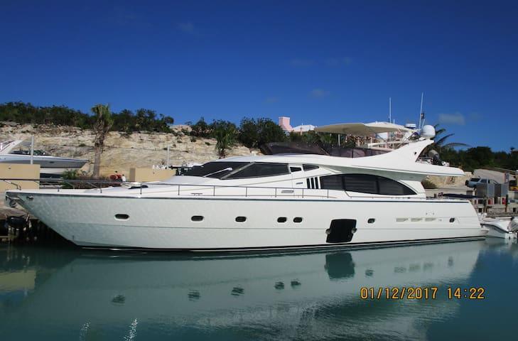 Yacht Sea of Love