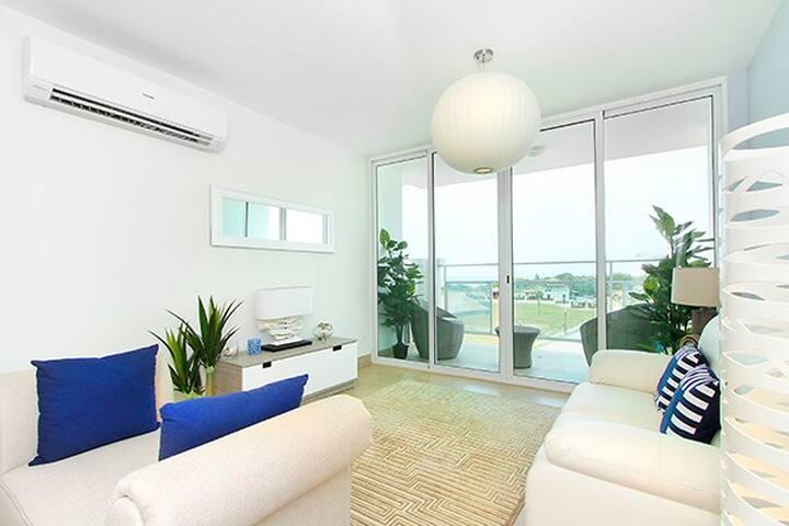 Estupendo apartamento con vista y cercanía al mar. - Panama City - Lägenhet